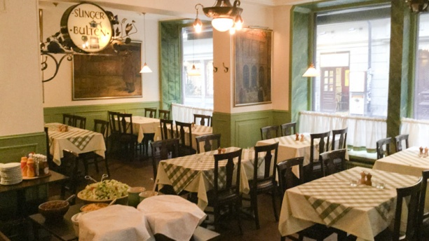 slingerbulten-dining-room-c64e9